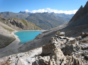 Lac des Béraudes vu du Col