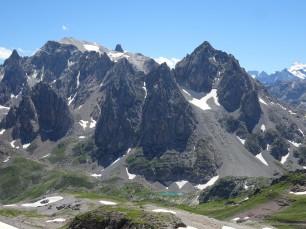 Pointe des Cerces (à gauche) et Lac de la Clarée